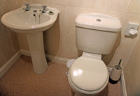 1_basin-and-toilet.jpg